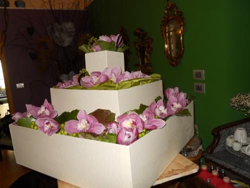 le spose torta di orchidee, pistacchi di Bronte e bacca di vaniglia del Magascar